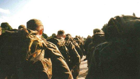 Bundeswehr-Soldaten marschieren