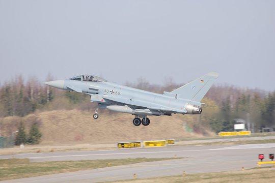 Eurofighter landet